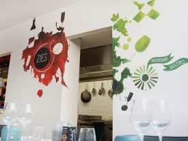 Muurschildering Wijnbar