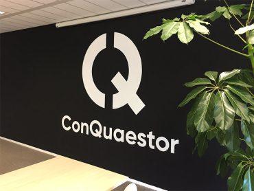 Muurschildering Logo ConQuaestor